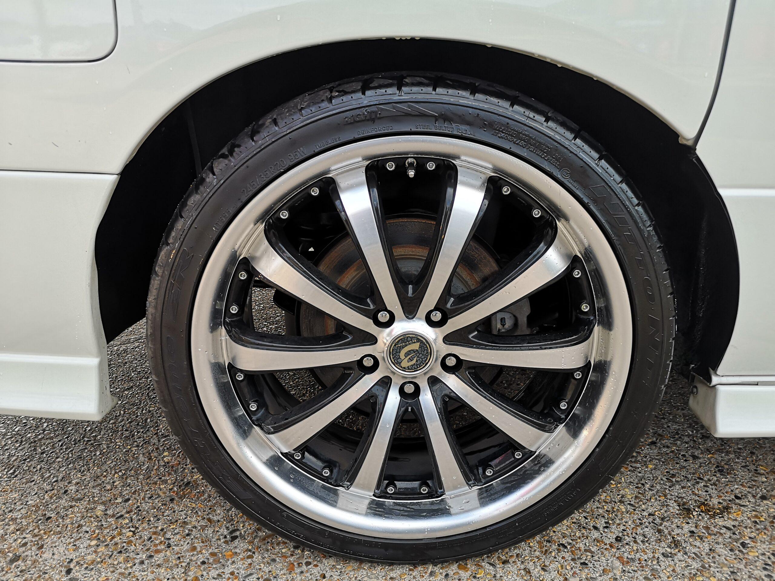 NISSAN ELGRAND RIDER-S 3.5 V6 PETROL 2005(54) 4 WHEEL DRIVE DOUBLE SUNROOF